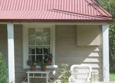 Best exterior paint colors for house red roof curb appeal Ideas House Exterior Color Schemes, Exterior Paint Colors For House, Paint Colors For Home, Exterior Colors, Exterior Design, Paint Colours, Wall Colors, Weatherboard Exterior, White Beach Houses
