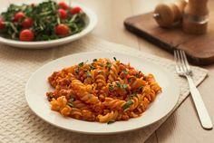 Rotini à la salsa cruda Marmite, Salsa, Ethnic Recipes, Pizza, Foods, Al Dente, Tomatoes, Best Pasta Recipes, Pasta