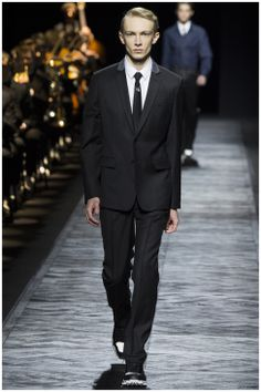 Dior-Homme-Fall-Winter-2015-Menswear-Collection-Paris-Fashion-Week-012 #Alfaiatarias #Tricolines #FocusTextil