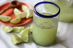 Acqua di semi di chia e limone per perdere peso e apportare numerosi benefici all'organismo