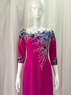 Bead Embroidery Jewelry, Embroidery Dress, Beaded Embroidery, Embroidery Designs, Vietnamese Traditional Dress, Traditional Dresses, Simple Dresses, Short Dresses, Party Wear
