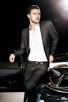 I couldn't help it. I had to pin him.Justin #Timberlake in a perfect #suite for the #groom.
