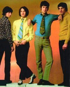 The Kinks 1966 - Ray Davies, Dave Davies, Mick Avory, Pete Quaife. Pop Art Fashion, 60s And 70s Fashion, Men's Fashion, Blue Soul, Dave Davies, 60s Rock, The Kinks, Swinging London, 60s Music