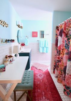 Trendy Bathroom Ideas For Teen Girls Pink Shower Curtains Ideas Pink Shower Curtains, Casa Loft, Teen Girl Bedrooms, Amazing Bathrooms, Teen Bathrooms, My New Room, House Rooms, Apartment Living, Dream Apartment