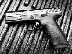 Česká Zbrojovka - CZ P-10 C 9mm