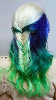 Blonde green blue dyed hair color @moringaplex