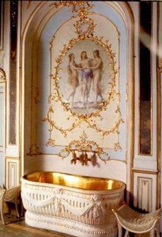 For the extra dose of opulence Baño De María Antonieta en Versalles