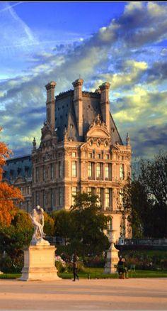 "If the Tour Eiffel is the symbol of Paris, the Cathédrale de Notre-Dame de Paris is its heart. Sitting on the banks of the Seine, this magnificent architectural work of art is a guaranteed ""must-see"". Tour Eiffel, Paris Travel, France Travel, Paris France, Monuments, Hotel Des Invalides, Beautiful Paris, Monaco, Museum"