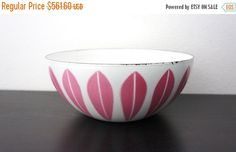 Vintage Cathrineholm 8 Inch Lotus Bowl, White Enameled Steel with Pink Lotus Pattern, Norway, Kittelson, Medium Snack Serving Bowl 180062