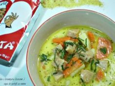 Supa de cartofi cu somon ( Juha s krumpira lososom ) Soups And Stews, Cheeseburger Chowder, Thai Red Curry, Carne, Supe, Ethnic Recipes