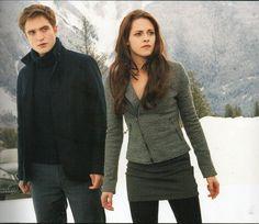 Edward & Bella Cullen - Twilight Saga: Breaking Dawn Part 2 Edward Cullen, Bella Cullen, Edward Bella, Twilight Edward, Twilight Series, Twilight Movie, Twilight Photos, Twilight Dolls, Vampire Twilight