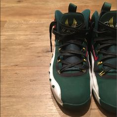 low cost 50a16 f3611 Nike Shoes   Gary Payton Sonic Flight No Insoles   Color  Green Red   Size   8