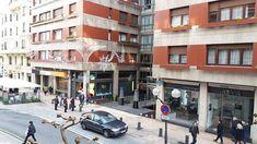 Piso exterior en venta de 160m2 en Ercilla, Bilbao. Actualmente oficina, pero fácilmente reconvertible. Posibilidad de sacar 5 habitaciones y 3 baños. Precio de salida: 590.000€. #realestate #agencia #estate #agency #realty #properties #forsale #instagram #instagood #house #home #luxury #market #euskalherria #design #inmobiliaria #residential #piso #venta #architecture #inmuebles #bizkaia #diseño #luxuryhomes #luxuryhome #luxurious #indautxu #property #bilbao #euskadi - posted by Basque…
