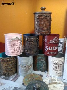 Clay Mold Appliques for Tin Can Planters: A Vintage Craft - Unique Balcony & Garden Decoration and Easy DIY Ideas Aluminum Can Crafts, Tin Can Crafts, Tin Can Centerpieces, Decoupage Jars, Tin Can Art, Iron Orchid Designs, Wine Bottle Art, Diy Planters, Craft Shop