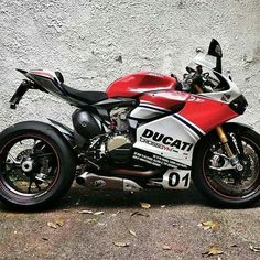 in/ Get over 200 bike & car repair services at your convenience. We have the best mechanics and technicians working to ensure quality service. Super Bikes, Motorbike Design, Ducati Motorcycles, Motosport, Moto Bike, Street Bikes, Cool Bikes, Car Repair, Rockets