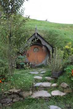 The Hobbit House ; Bohemian House, Earthship, Hobbit Hole, The Hobbit, Root Cellar, Underground Homes, Earth Homes, Garden Cottage, Fairy Houses