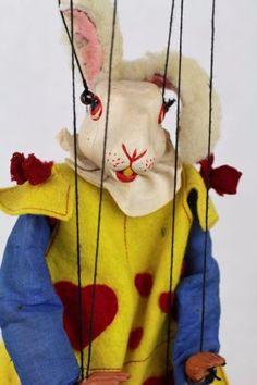 Vintage-Pelham-Puppet-SL-White-Rabbit-Alice-in-Wonderland