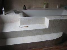 tablier de baignoire en blocs de béton cellulaire