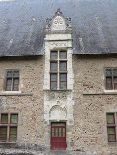 Laval (Mayenne) - Château vieux - porte