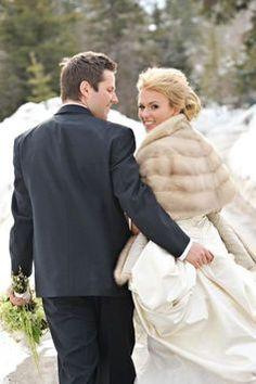 Winter Wedding Fur, Winter Wedding Bridesmaids, Winter Wonderland Wedding, Brides And Bridesmaids, Vintage Fur, Vintage Bridal, Vintage Glamour, Winter Wedding Inspiration, Wedding Ideas