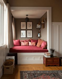 My Houzz: Exotic travels brought home to California. - eclectic - Living Room - San Francisco - Love this reading nook to life! Living Room Nook, Eclectic Living Room, Living Room Remodel, Cozy Living Rooms, Living Room Designs, Living Room Decor, Bedroom Walls, Bedroom Nook, Basement Bedrooms