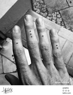 60 trendy tattoo finger dots beautiful Best Picture For tattoo quotes about life For Your Ta Dot Tattoos, Subtle Tattoos, Trendy Tattoos, Small Tattoos, Design Tattoos, Tatoos, Finger Dot Tattoo, Finger Tats, Acab Tattoo