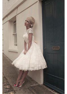 CHIC LACE SATIN BATEAU NECKLINE KNEE LENGTH A-LINE WEDDING DRESS SEXY LADY LACE FORMAL PROM BRIDESSMAID