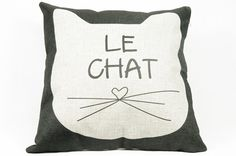 Le chat pillow, cats, pillows, christmas, gift ideas, birthday ideas, bedroom ideas, decorative pillows, throw pillows, gifts for mom