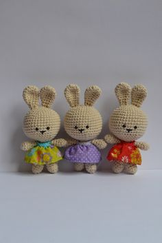 It is a world Amigurumi: Free Pattern Easter Bunny!! Easter clipart ideas
