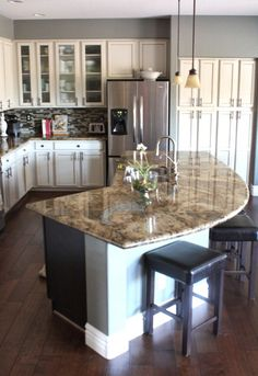 5. Rounded Island - 22 Kitchen Islands That Must Be Part of Your Remodel ... → DIY