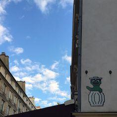 Shared by talpascual #spaceinvader #unas (o) http://ift.tt/1RxgMke The Grouch.  Space Invader.  #streetart #street #urbanart #graffitiart #graffitiporn #instagraffiti #urban #graffiti #art  #oscar #sesamestreet #drawing #draw #paris #oscarthegrouch #muppet #doll #cartoon #beautiful #funny #love #loveit #mosaic #bluesky #sky #blue #building #architecture