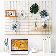 Boho Dorm Room, Teen Room Decor, Office Wall Decor, Dorm Desk Decor, Office Wall Organization, Hanging Photos, Hanging Art, Photo Hanging, Memo Boards