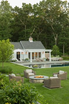 Backyard Pool Landscaping, Small Backyard Patio, Swimming Pools Backyard, Backyard Ideas, Backyard With Pool, Lap Pools, Indoor Pools, Pool Decks, Outdoor Rooms