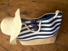 Ready for the summer! Put your bikiny on and grab a navy beach bag <3