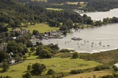 Windermere from Todd Crag    ***Judy and I were there in 1991...it was so beautiful, just like a fine old painting.