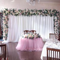 Цветочный #президиум для Кристиночки и Игоря спасибо @bestwesternsevastopol за гостеприимство #sevastopol #свадьба #свадьбакрым #свадьбавкрыму #крымскаясвадьба #свадьбавсевастополе