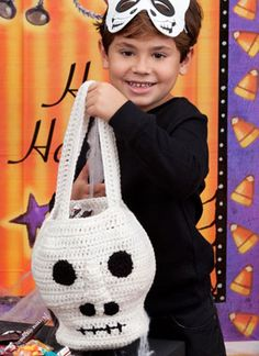 Scary Skull Bag - free crochet pattern