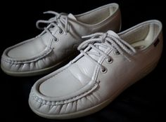Vintage Women's SAS Lace-up Comfort Walking Shoes Sz 6.5 Handsewn in the USA…