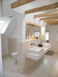 Wunderbar Estrich Der Fußboden Im Industrial Style Für Moderne Kleine Badezimmer Mit  Dachschröge | Bäder | Pinterest | Industriell, Stil Und Design
