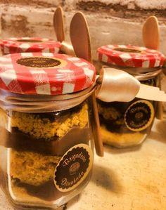 Bolo no pote sabor cenoura com brigadeiro belga, da Brigadeiro Dicunhada (www.brigadeirodicunhada.com.br). R$ 28 (200 g). Preço consultado em dezembro de 2014. Sujeito a alterações