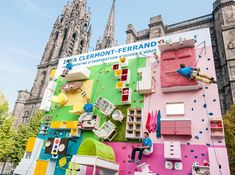 The new Clermont-Ferrand store opening in France at the end of the month, IKEA teamed up with creative agency Ubi Bene to erect a flat, vertical apartment filled with IKEA furniture on a professional rock-climbing wall.