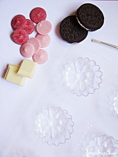 Bird's Party Blog: Mother's Day: DIY Chocolate Covered Oreo Flowers + FREE Printable Gift Tags