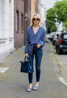 Skinny jeans with easy slides and a casual button-down