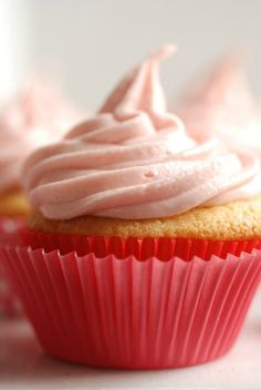 Very Berry Naturally Pink Frosting - Real Mom Nutrition