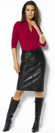 Sweater, black leather skirt and boots Look Fashion, Skirt Fashion, Fashion Outfits, Womens Fashion, Black Leather Skirts, Leather Dresses, Leather Boots, Riding Boot Outfits, Skirts With Boots