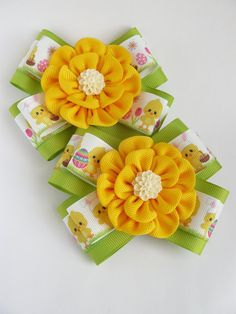 Items similar to Pair of Kanzashi flower bows girls hair clips- buy in UK, shipping worldwide- Easter Present Spring Gift on Etsy Ribbon Art, Ribbon Hair Bows, Diy Hair Bows, Ribbon Crafts, Fabric Crafts, Cloth Flowers, Fabric Flowers, Baby Hair Clips, Kanzashi Flowers