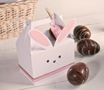 Cardboard Picnic Box for Gifts Candy Boxes, Favor Boxes, Picnic Box, Gable Boxes, Bunny Birthday, Baptism Favors, World Crafts, Chocolate Packaging, Hoppy Easter