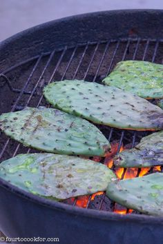 Grilled Cactus (Nopales) - Four to Cook For - diana Veggie Recipes, Mexican Food Recipes, Healthy Recipes, Veggie Dishes, Dinner Recipes, Healthy Cooking, Healthy Eating, Cooking Recipes, Clean Eating
