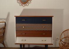 Vente de meubles vintage restaurés, mobilier années 50, années 60 et design scandinave. Des meubles rétro personnalisables pour une déco unique! Nantes