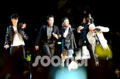 BIGBANG at F1 Night Race Singapore (cr on pic)#147